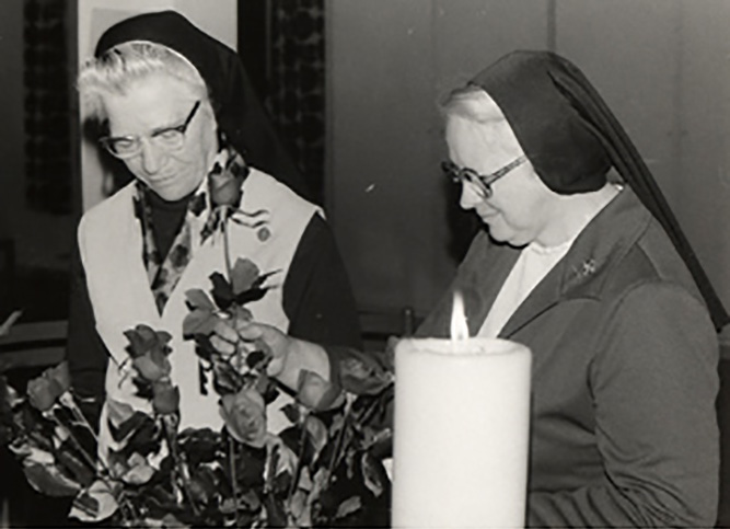 Mother Georgianne Segner, SSND (left) and Sister Mary Luke Baldwin, SSND (right)